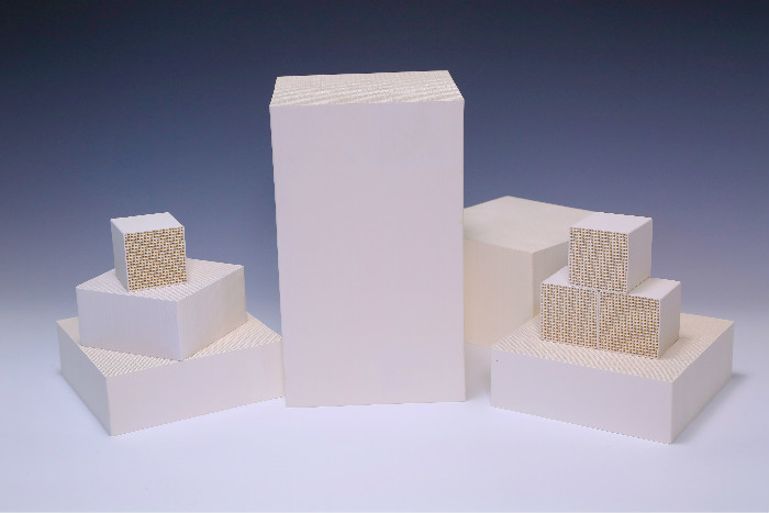 White And Cellular Monolithic Catalyst Support , VOC alumina carrier